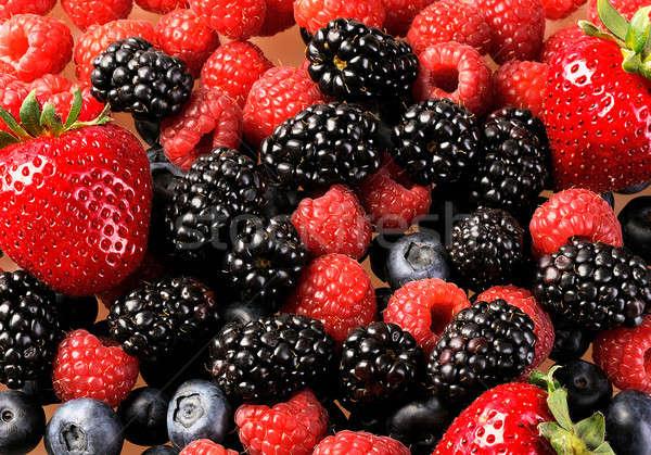 ягодные свежие Ягоды таблице малиной Сток-фото © alex_davydoff