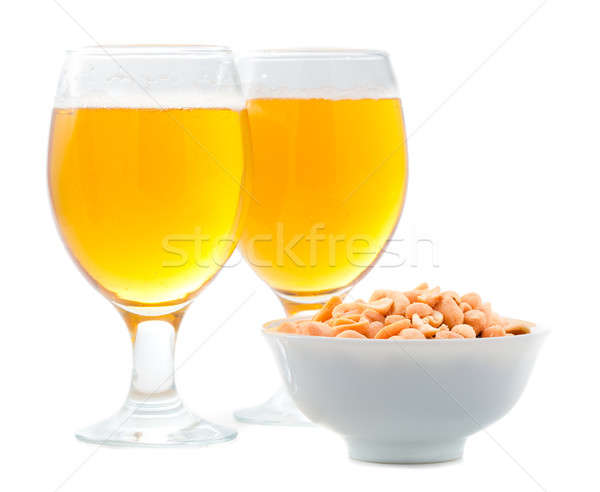 Bier gezouten pinda's geïsoleerd voedsel glas Stockfoto © alexandkz