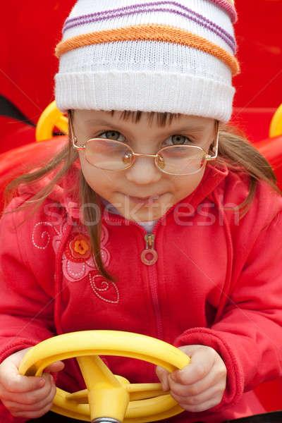 Meisje auto meisje Rood gezicht haren Stockfoto © alexandkz