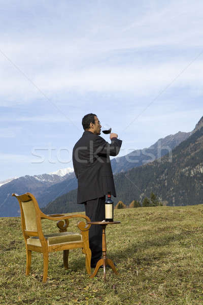 Tuhaf zarif uzman adam içecekler Stok fotoğraf © alexandre_zveiger