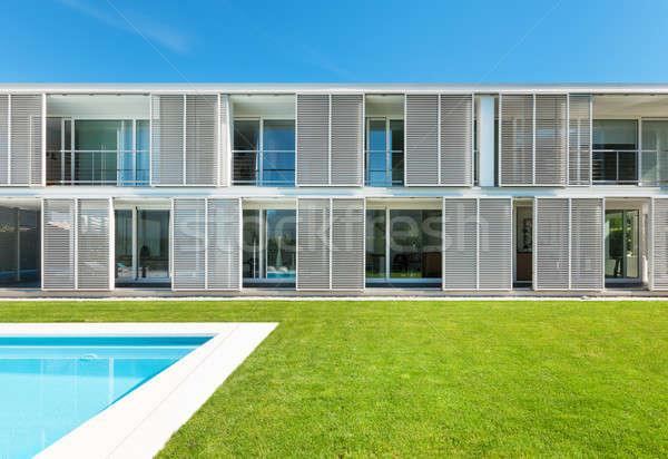 Moderna Villa piscina vista árbol verano Foto stock © alexandre_zveiger