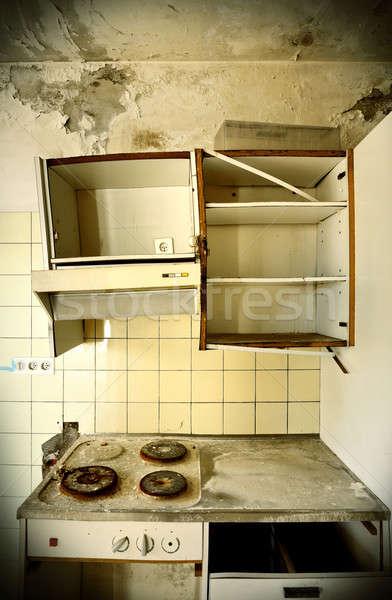Elhagyatott ház építészet öreg konyha elpusztított Stock fotó © alexandre_zveiger