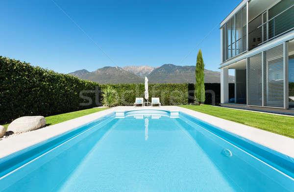 Modernes villa piscine vue été bleu Photo stock © alexandre_zveiger