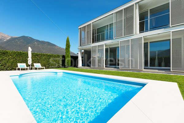 Moderno villa piscina view albero blu Foto d'archivio © alexandre_zveiger