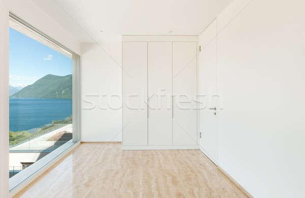 Lege kamer kast mooie moderne huis venster Stockfoto © alexandre_zveiger