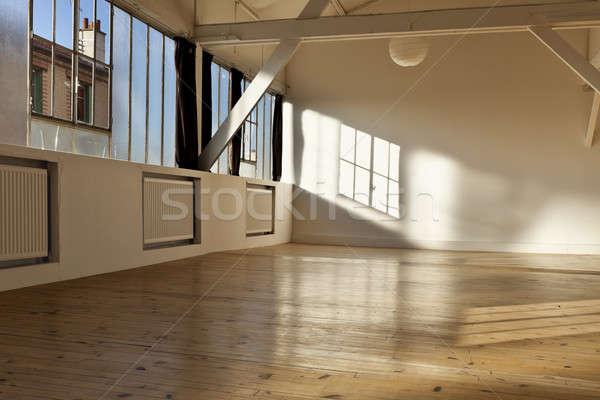 Oude vliering interieur breed Open ruimte Stockfoto © alexandre_zveiger