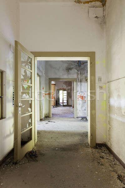 Terkedilmiş ev mimari Bina uzun koridor Stok fotoğraf © alexandre_zveiger