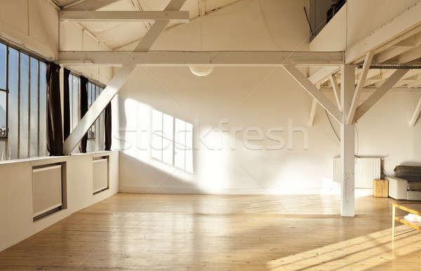Vieux grenier intérieur large ouvrir espace Photo stock © alexandre_zveiger