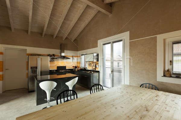 Interieur nieuwe vliering eettafel keuken interieur Stockfoto © alexandre_zveiger