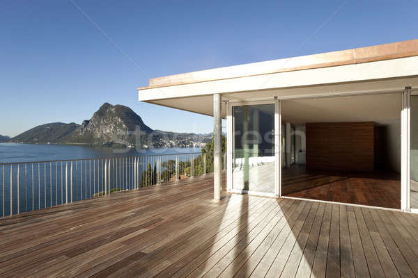Moderne huis mooie penthouse meer Stockfoto © alexandre_zveiger