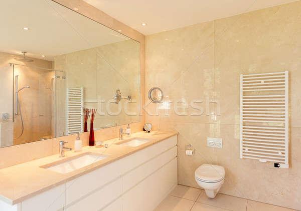 Interieur comfortabel marmer badkamer moderne huis Stockfoto © alexandre_zveiger