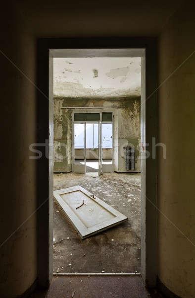 Elhagyatott ház építészet épület szoba kilátás Stock fotó © alexandre_zveiger