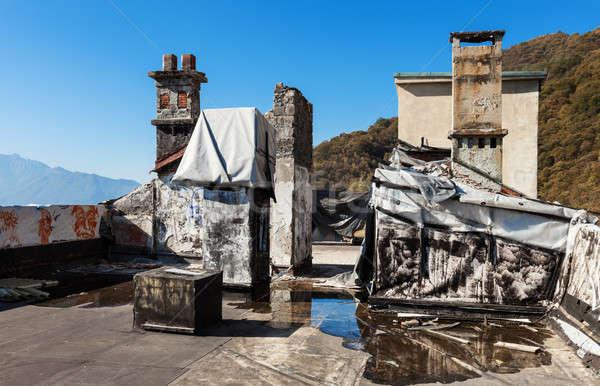 Stockfoto: Verlaten · huis · architectuur · oude · vernietigd · gebouw