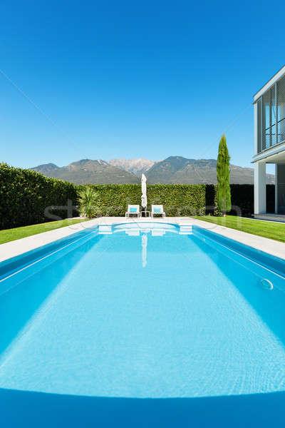 Moderno villa piscina view albero verde Foto d'archivio © alexandre_zveiger