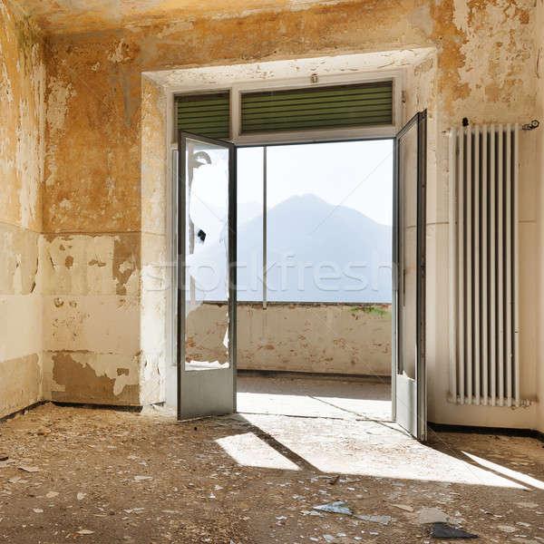 捨てられた 家 建物 の空室 ウィンドウ ホーム ストックフォト © alexandre_zveiger