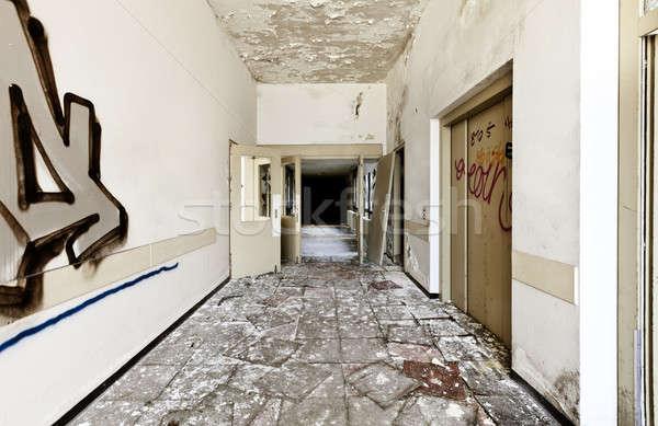 Elhagyatott ház építészet épület hosszú folyosó Stock fotó © alexandre_zveiger