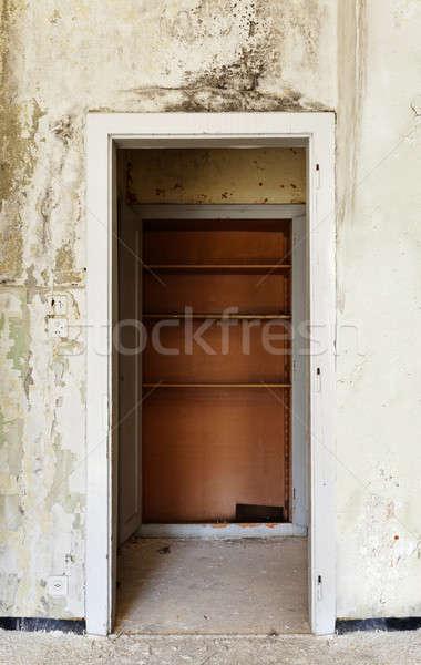 Elhagyatott ház építészet belső régi ház ajtó Stock fotó © alexandre_zveiger