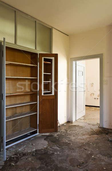 Elhagyatott ház építészet üres szoba belső régi ház Stock fotó © alexandre_zveiger