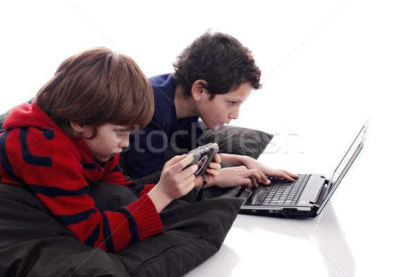 Kinderen spelen computer video games portret vloer Stockfoto © alexandrenunes
