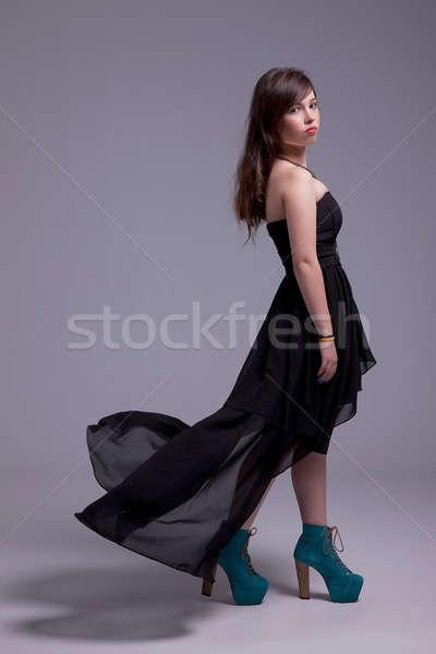 Güzel genç kadın elbise rüzgâr bakıyor Stok fotoğraf © alexandrenunes