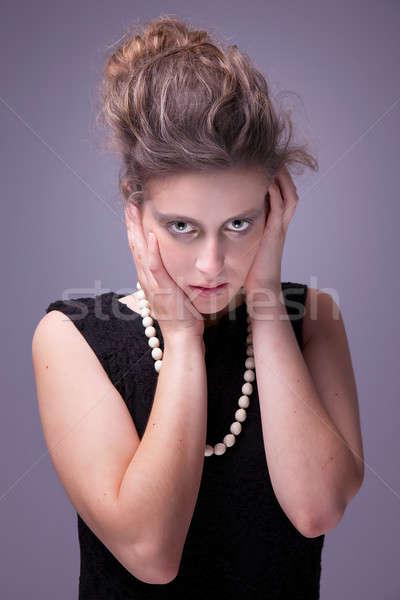 Kétségbeesés fiatal nő kezek fej stúdiófelvétel kéz Stock fotó © alexandrenunes