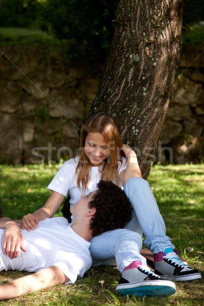 Parque namoro mulher sorrir Foto stock © alexandrenunes