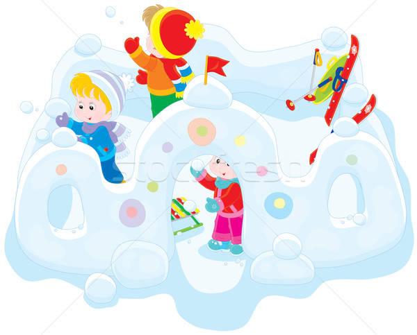 Kinderen sneeuw fort meisje jongens spelen Stockfoto © AlexBannykh