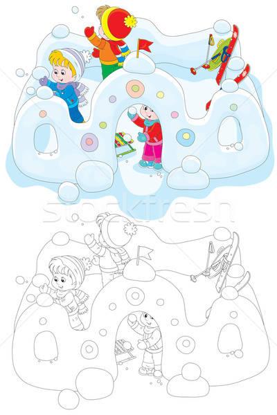 Gyerekek hó erőd kislány fiúk játszik Stock fotó © AlexBannykh
