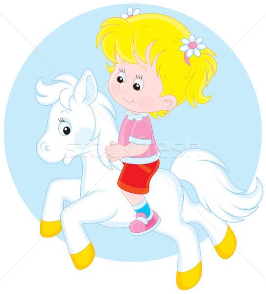 Pequeno menina equitação pequeno branco pónei Foto stock © AlexBannykh
