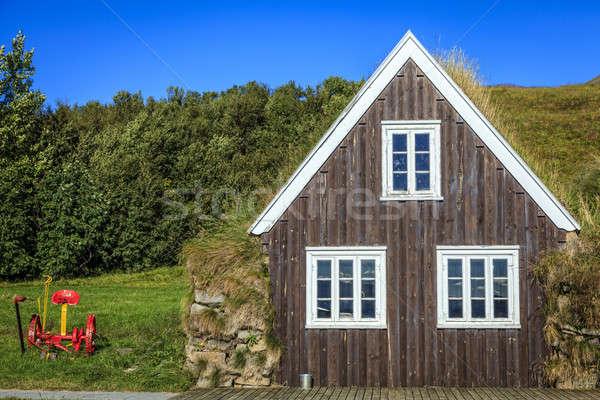 Tőzeg ház hagyományos farm otthon kék Stock fotó © alexeys