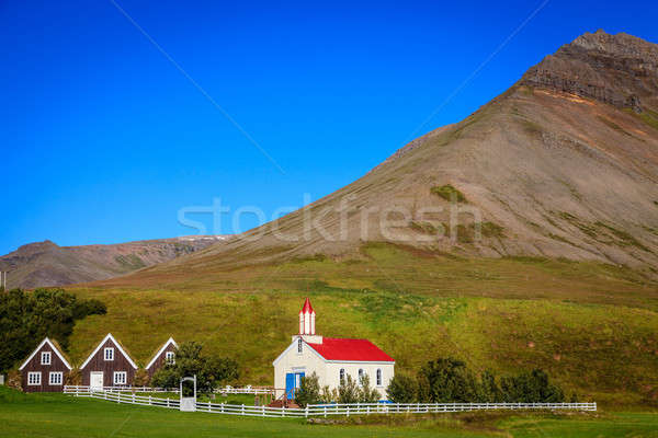 Campagne faible village Islande église gazon Photo stock © alexeys
