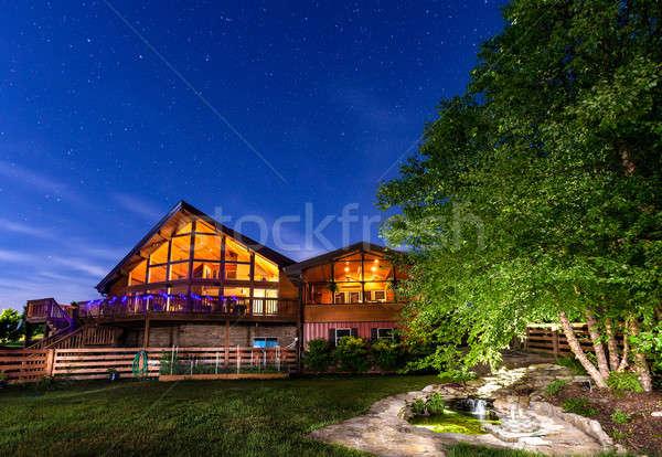 Domu nieba piękna nowoczesne koi staw Zdjęcia stock © alexeys