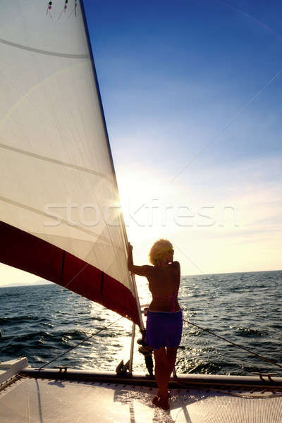 Vitorlázik kaland nő íj vitorlás néz Stock fotó © alexeys