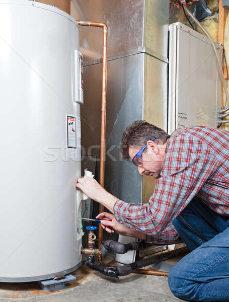 Water verwarming onderhoud loodgieter woon- Stockfoto © alexeys