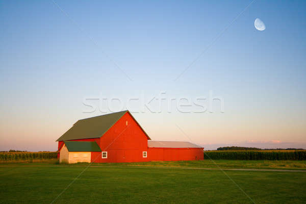 Red barn Stock photo © alexeys