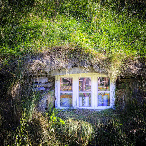 Ablak tőzeg ház öreg Izland otthon Stock fotó © alexeys