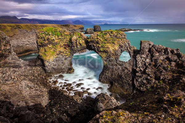Basalt Klippen natürlichen Bogen Island Himmel Stock foto © alexeys