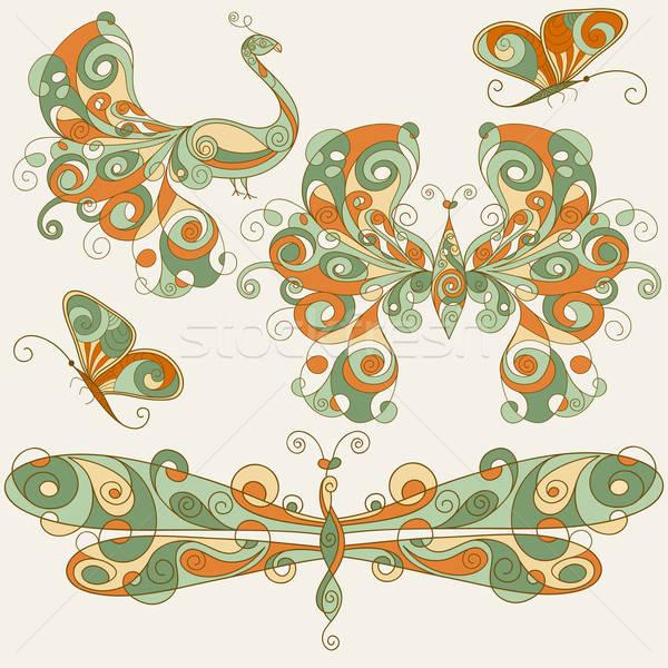 Vecteur stylisé libellule papillons paon peuvent Photo stock © alexmakarova