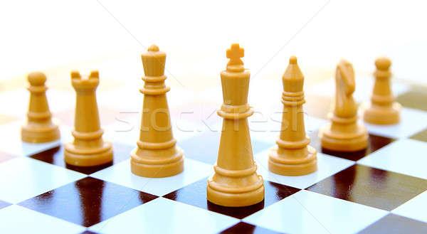 Rey del ajedrez aislado blanco madera caballo ajedrez Foto stock © alexmillos