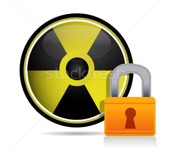 Radioattivo segno dietro lock natura foglia Foto d'archivio © alexmillos