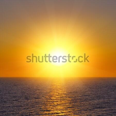 Fantastik gündoğumu okyanus gökyüzü bahar güneş Stok fotoğraf © alinamd