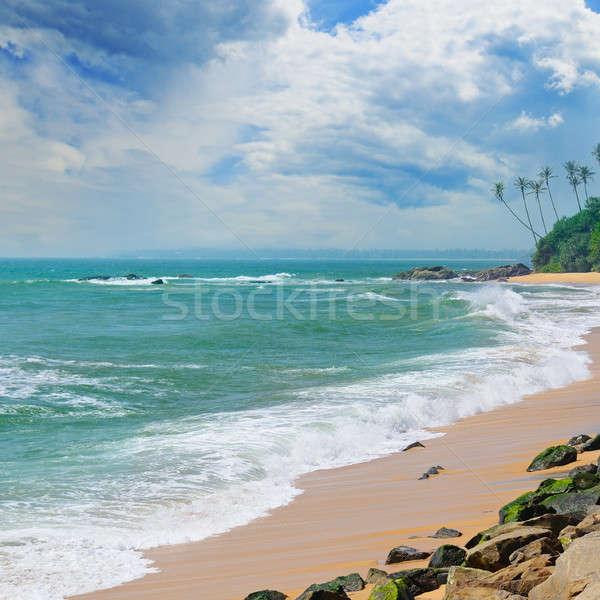 Oceaan pittoreske strand blauwe hemel hemel water Stockfoto © alinamd