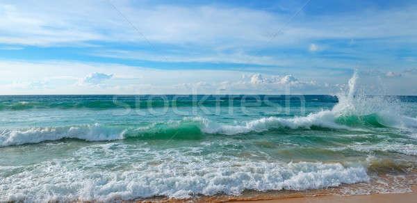 Trópusi óceán kék ég homokos tengerpart széles fotó Stock fotó © alinamd