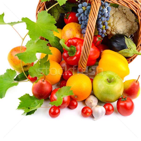 Sebze meyve sepet yalıtılmış beyaz sağlık Stok fotoğraf © alinamd