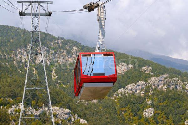 Gondola ascensore top montagna nubi foresta Foto d'archivio © alinamd
