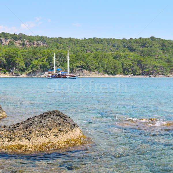 красивой морской пейзаж удовольствие лодка пляж воды Сток-фото © alinamd