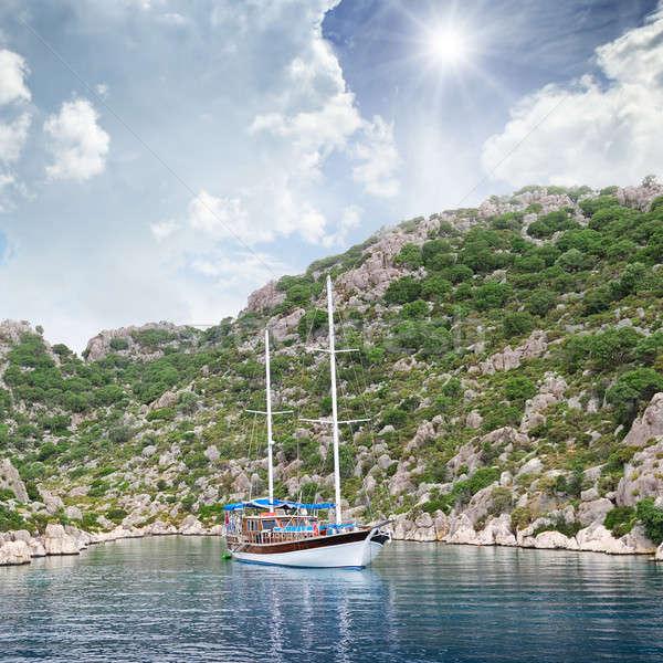 Zeilschip kust strand hemel natuur zee Stockfoto © alinamd
