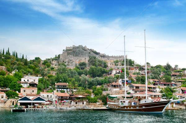 Foto stock: Vela · barco · ruinas · barrio · antiguo · cielo · agua
