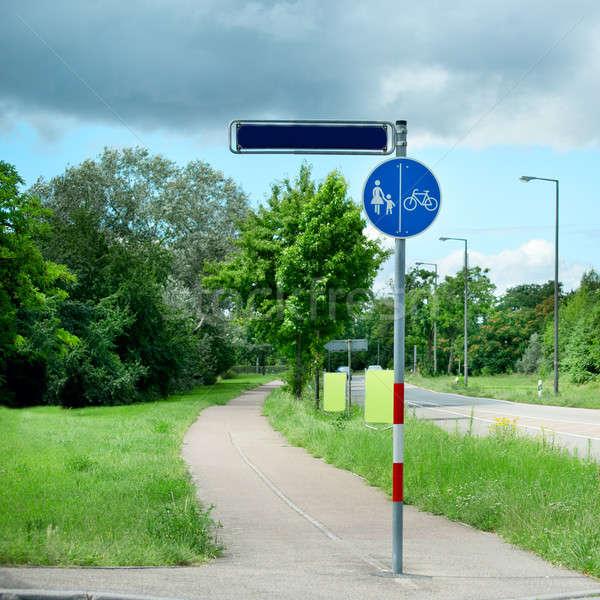 Waarschuwing verkeersbord weg fietsers gras Stockfoto © alinamd