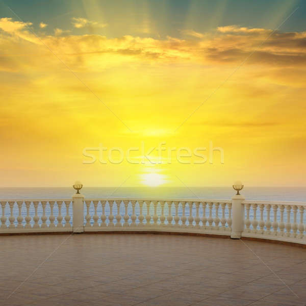 Zee zonsopgang mooie promenade strand wolken Stockfoto © alinamd
